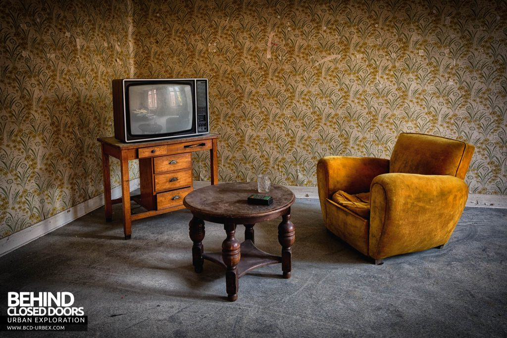Salve Mater Psychiatric Hospital - Cool retro 70s styled chair and TV