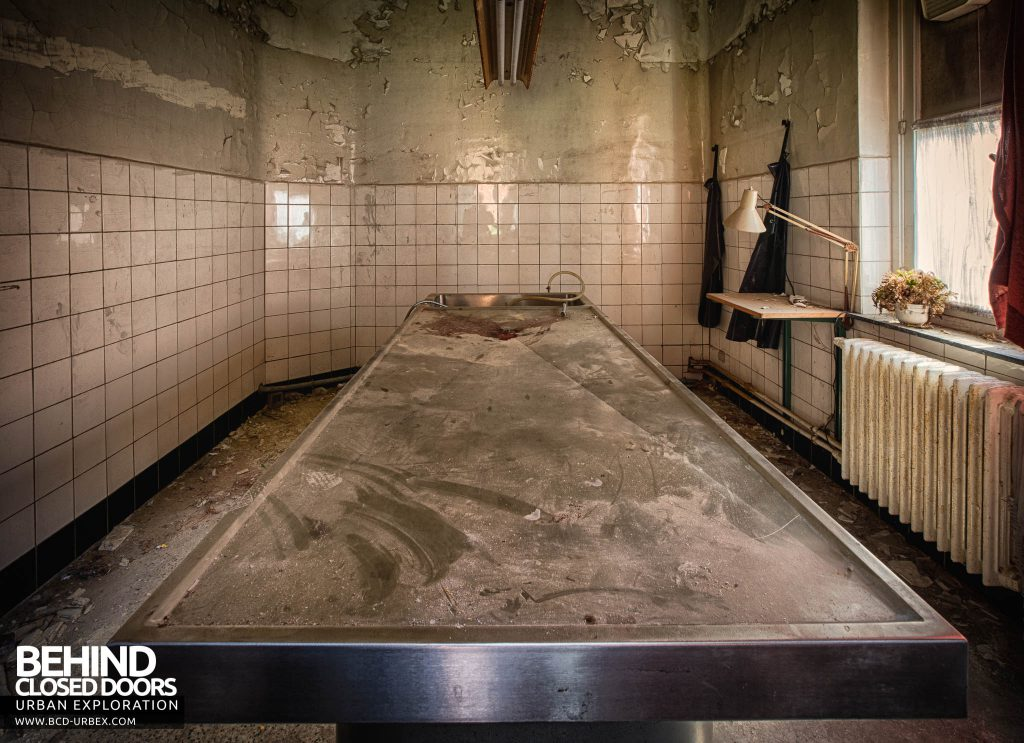 Salve Mater Psychiatric Hospital - The slab in the morgue