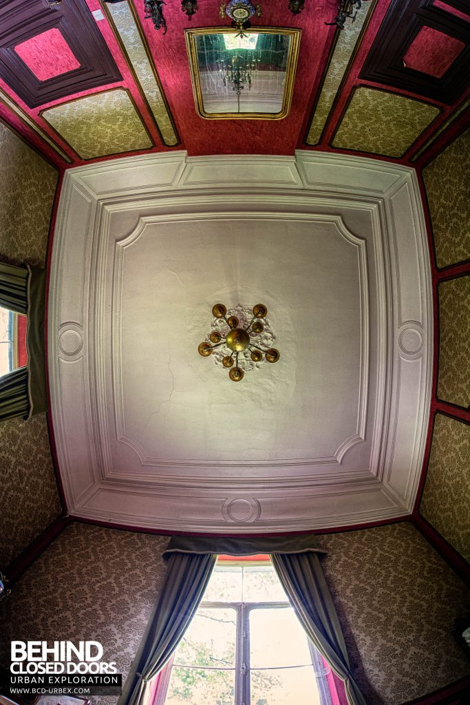 Domain M Guest House - Looking up at the ceiling with the fisheye
