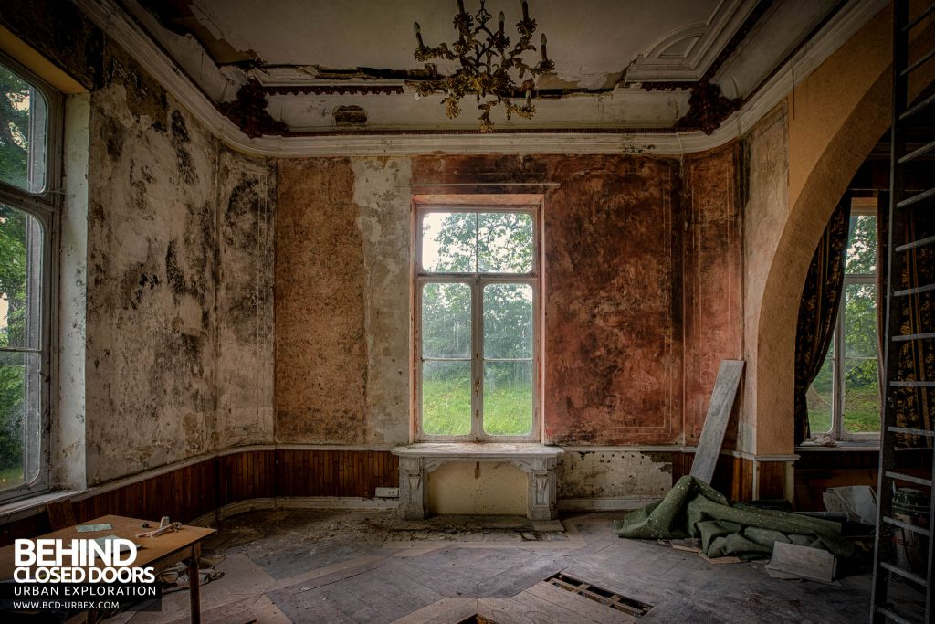 Domain M Guest House - Decaying room