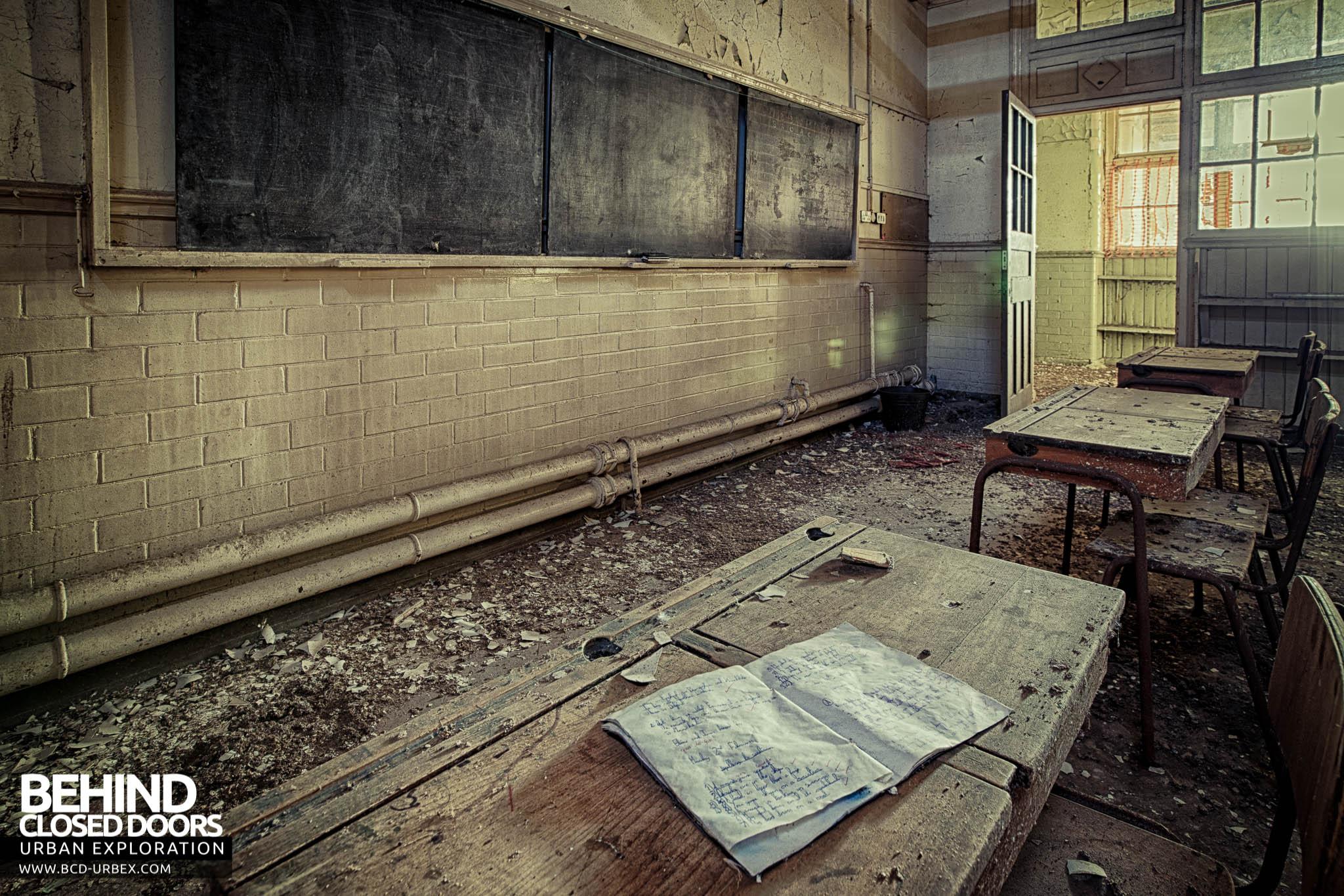 Behind Closed Doors : Easington colliery primary school durham urbex behind
