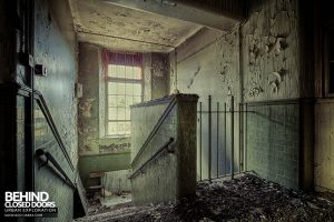 Easington Colliery Primary School - Decay at top of stairs