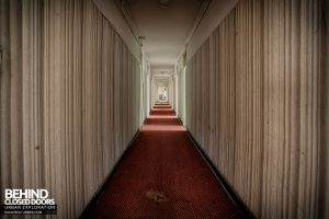 Hotel Thermale - Long corridor