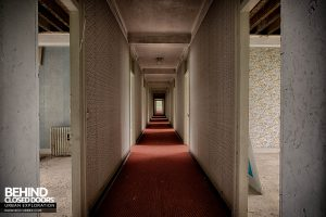 Hotel Thermale - Another long corridor