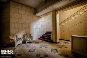 Hotel Thermale - Stairs from reception area