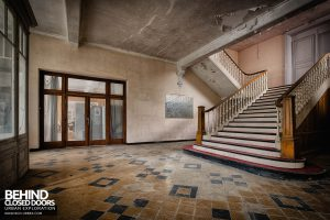 Hotel Thermale - Lobby with main staircase