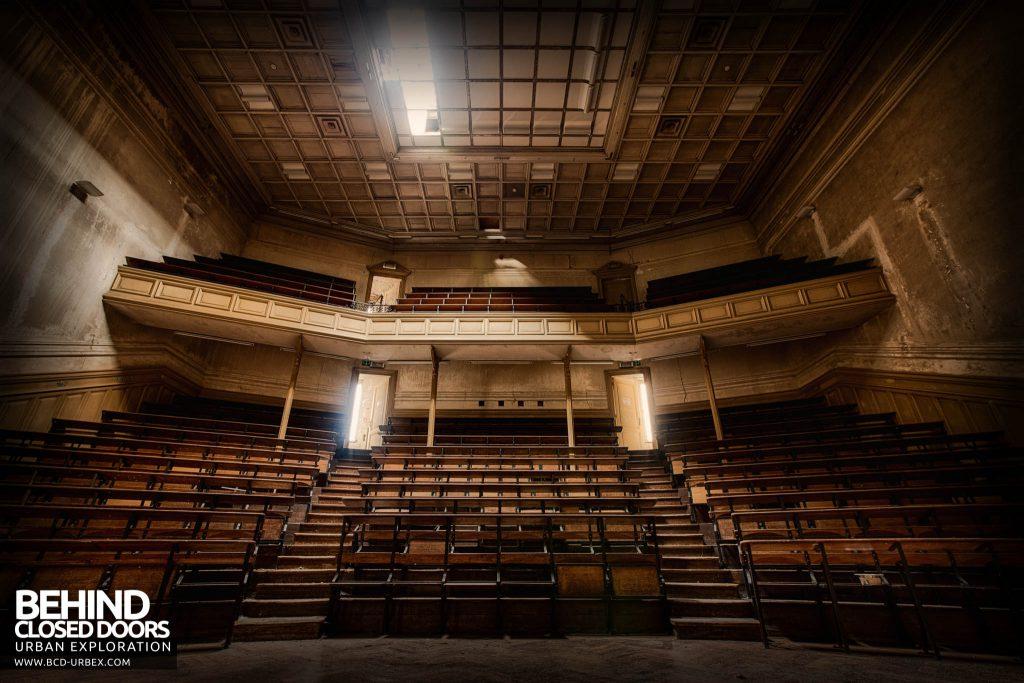 Pritzker Fac - Lecture Theatre