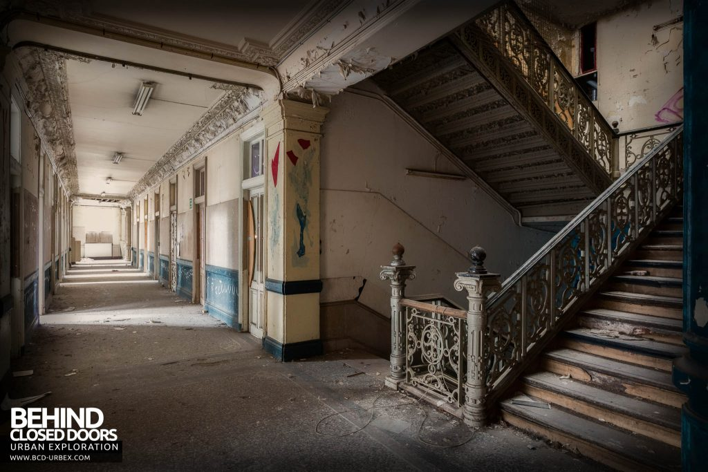 Pritzker Fac - Corridor and staircase in the old teaching block