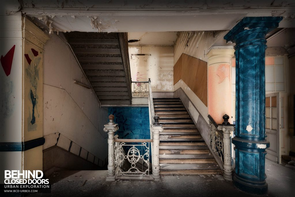 Pritzker Fac - Decaying staircase