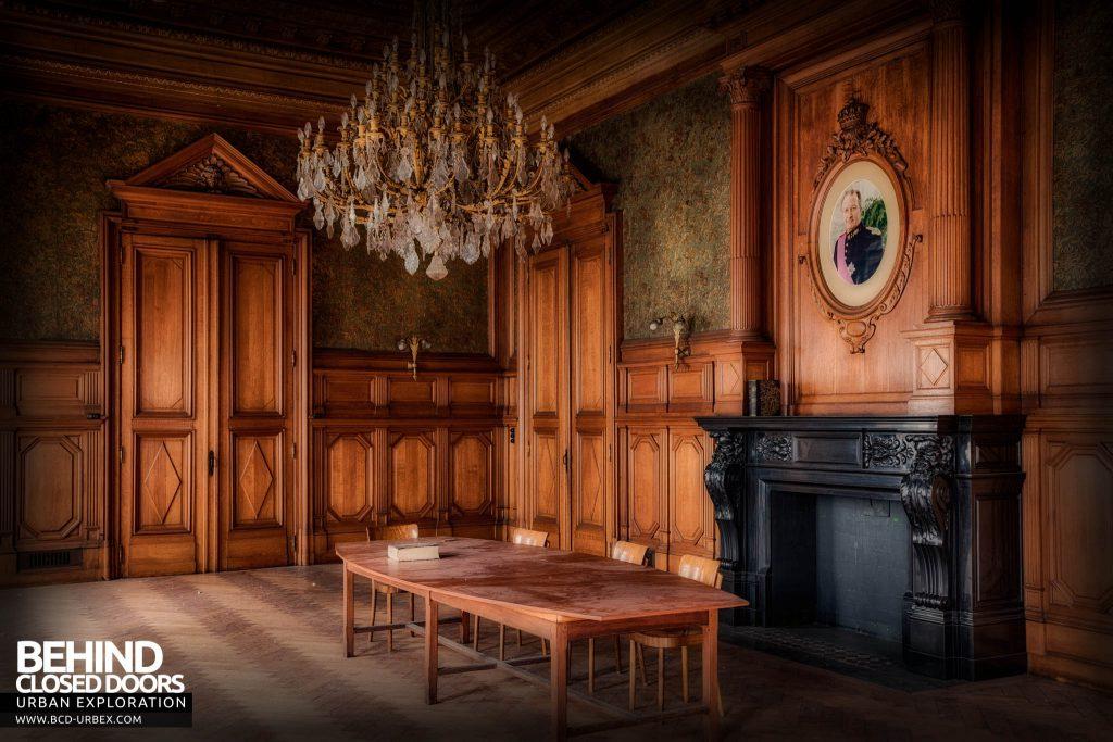 Pritzker Fac - The grand bordroom