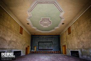 Wunsdorf - Decaying hall