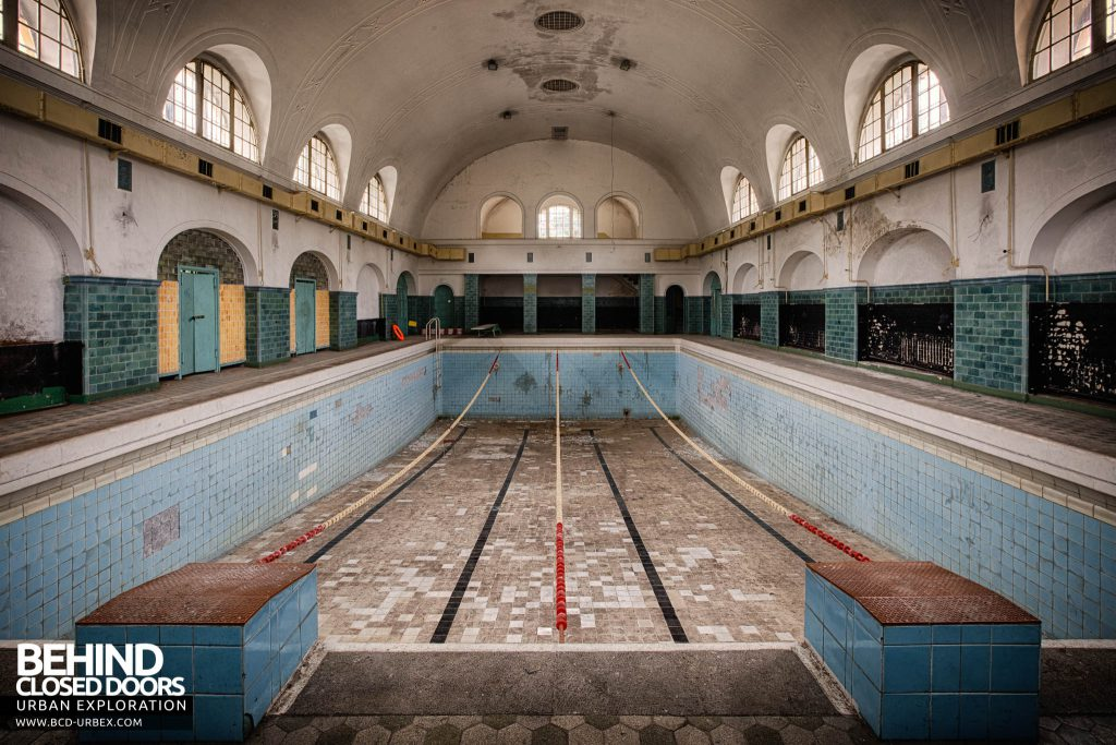 Wunsdorf - The decaying swimming pool still has lane guides in place