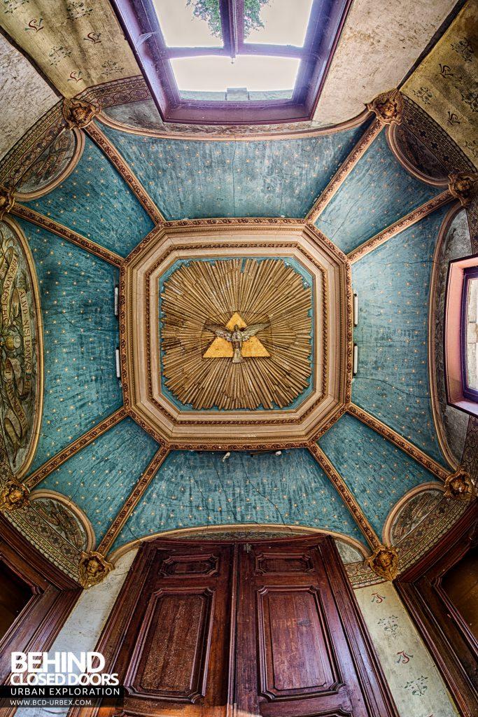 Chateau Rochendaal - Chapel ceiling
