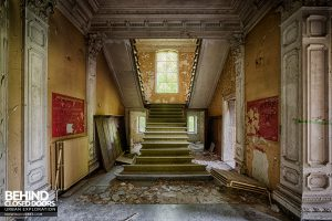 Chateau Rochendaal - Staircase