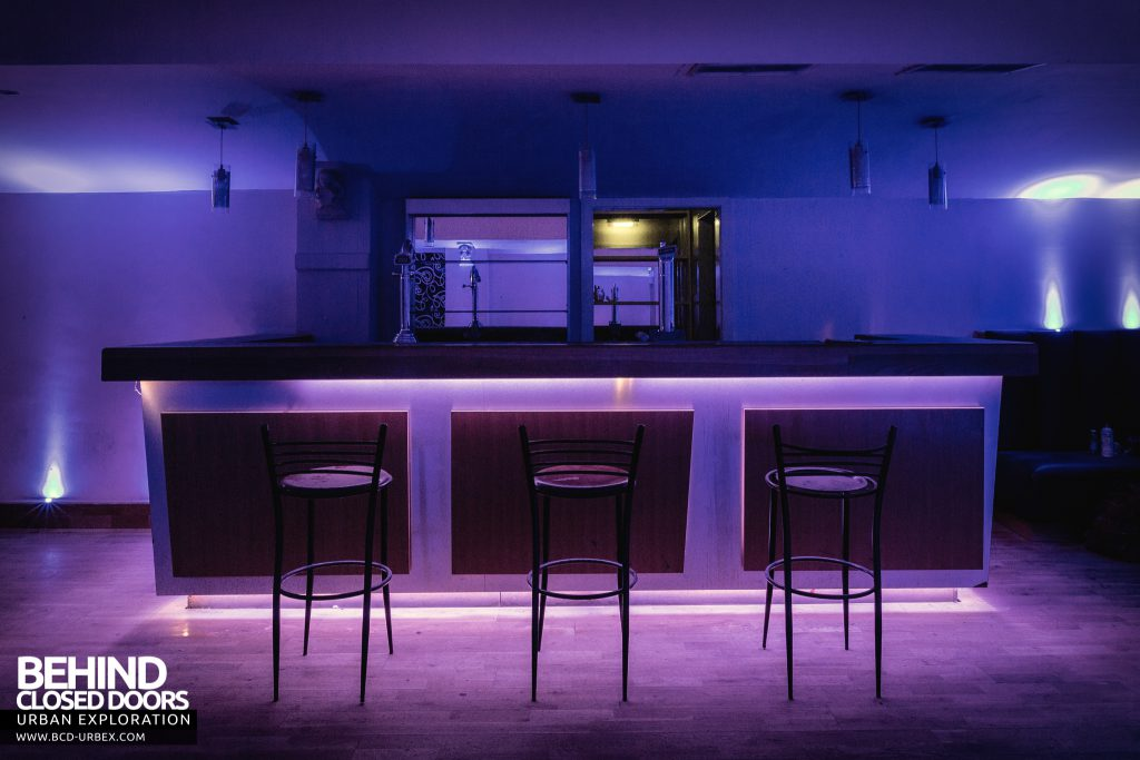 D9 Nightclub - The bar in the blue room