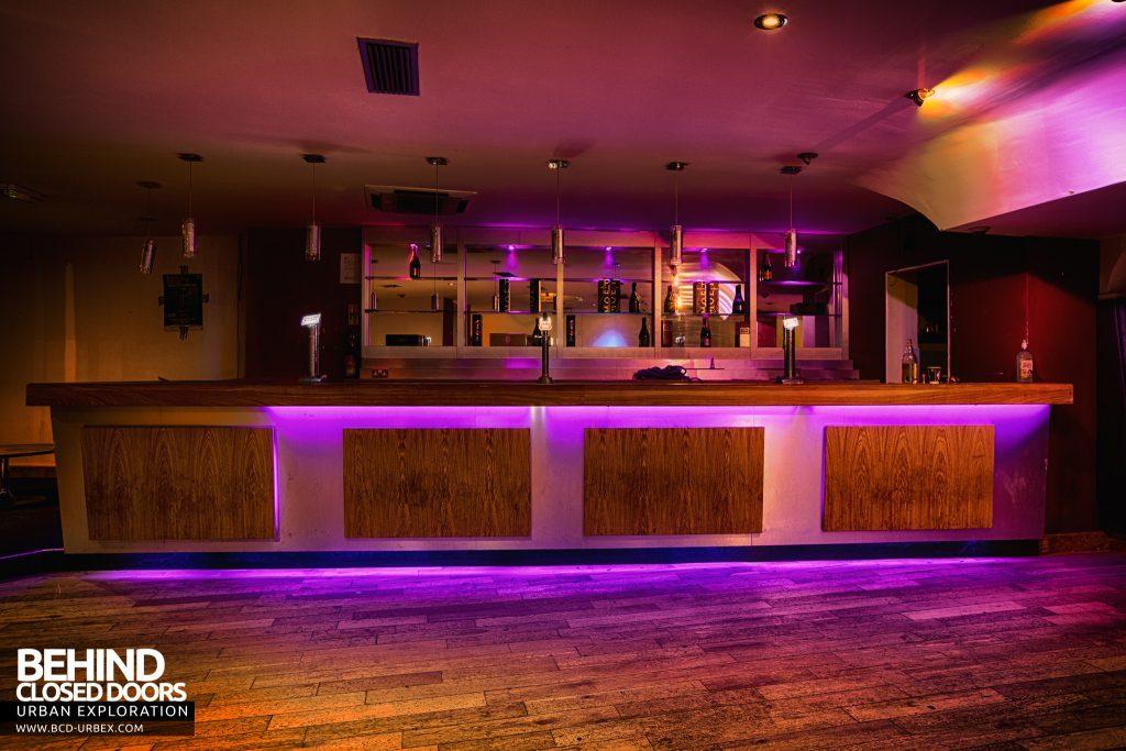 D9 Nightclub - Bar in the main club area