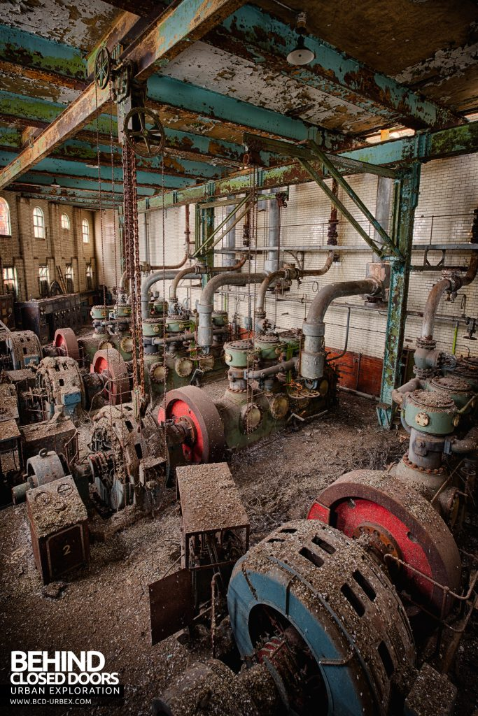 Grimsby Ice Factory - Decaying Hall