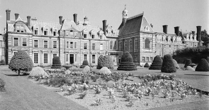 Kinmel Hall - The house had extensive landscaped gardens