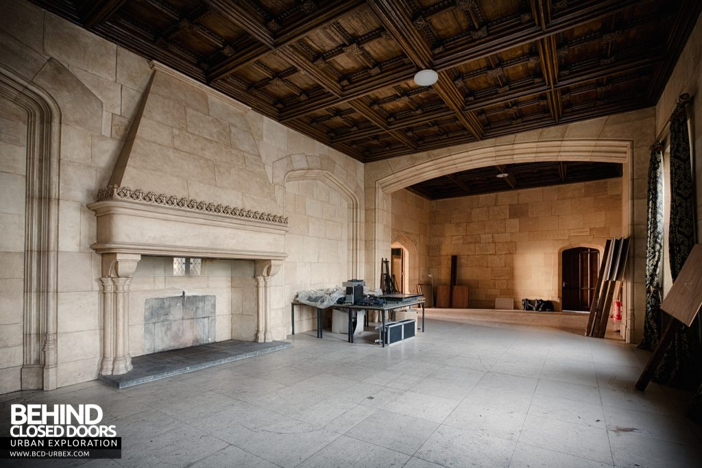 Stanford Hall - Huge entrance hall with oversized fireplace