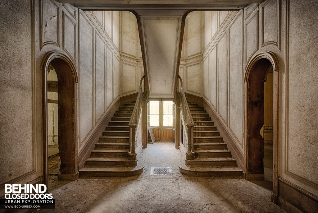 Château Japonais, France - Double staircase inside the house