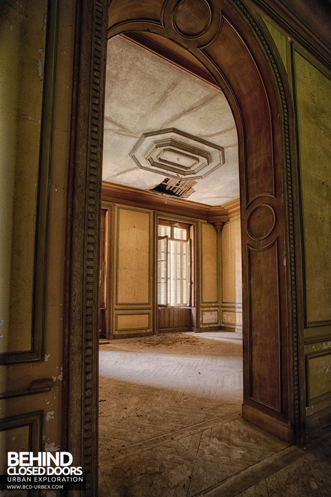 Château Japonais, France - Doorway