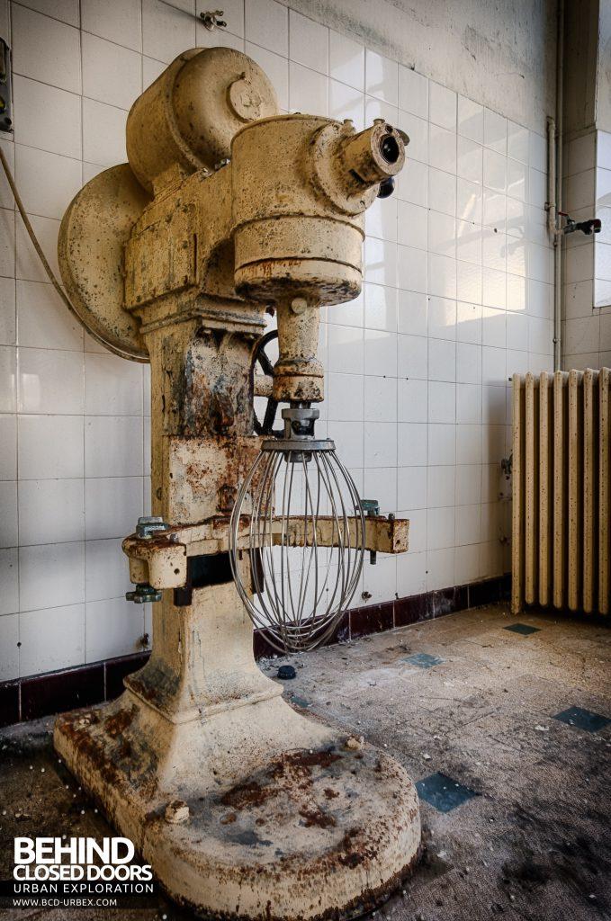 Hospital Plaza - Big mixer