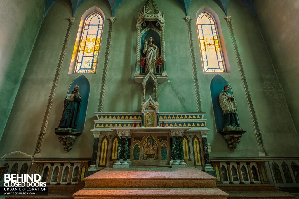 Blue Chapel Monastery, Italy - The altar