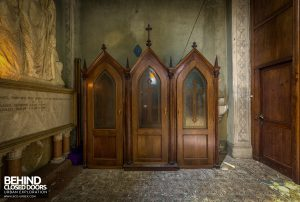 Blue Chapel Monastery, Italy - Booths