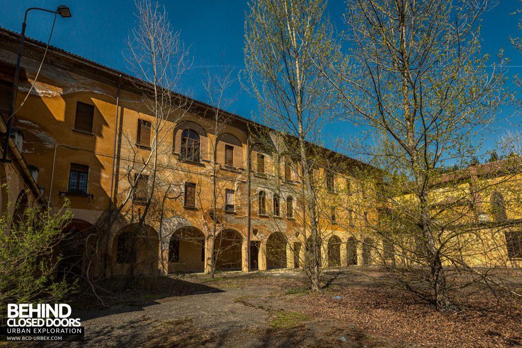 Blue Chapel Monastery, Italy - Monastery courtyard