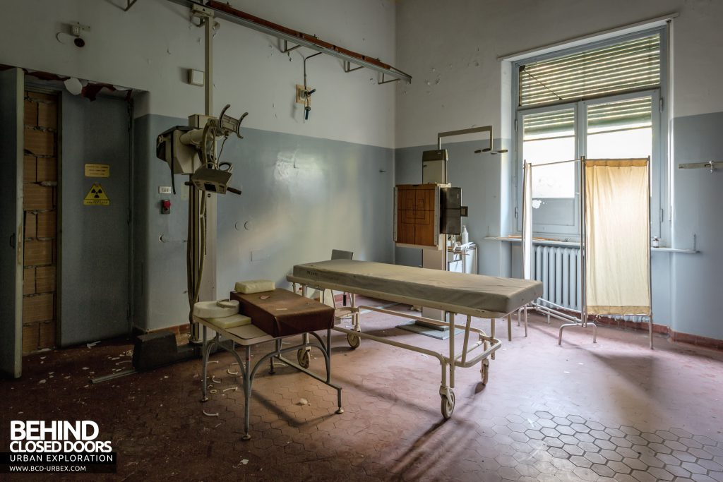 Hospital SC, Italy - Old fashioned X-Ray equipment