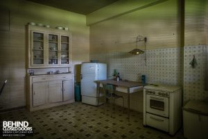 Knitting Factory, Italy - Kitchen