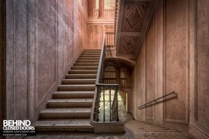 Palazzo di L - Stunning staircase