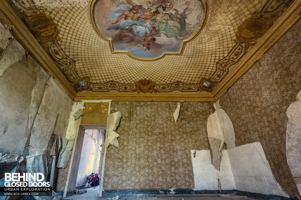 Palazzo di L - Ceilings with painted murals