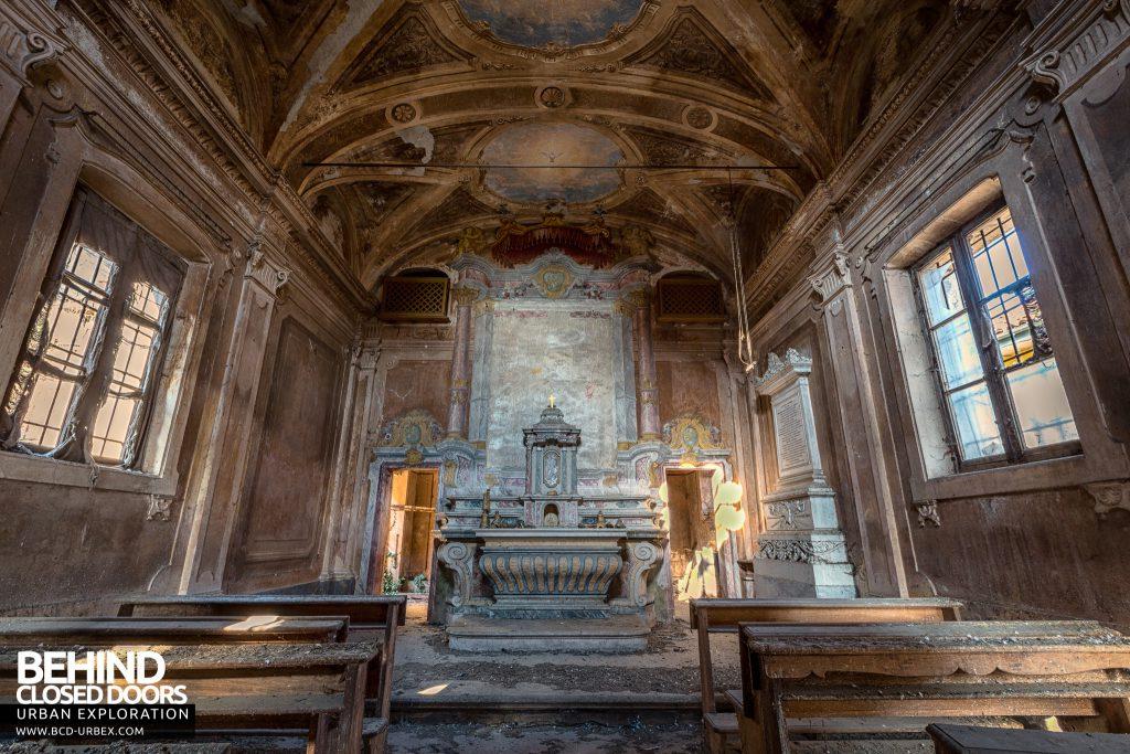 Palazzo di L - The palace's stunning chapel