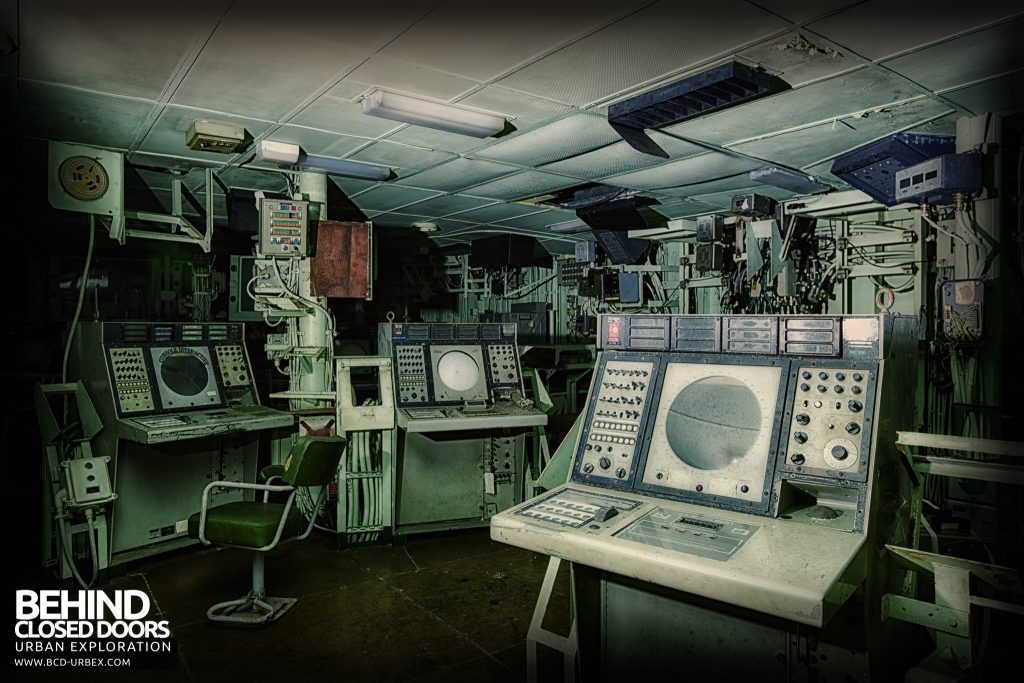 Atlantic Ghost Fleet - Vast amount of equipment in the radar room