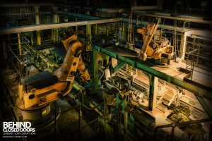 Ford Plant, Swaythling - Robots above the line