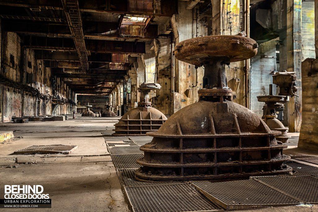 Kraftwerk V, Germany - Machinery left below the turbine hall