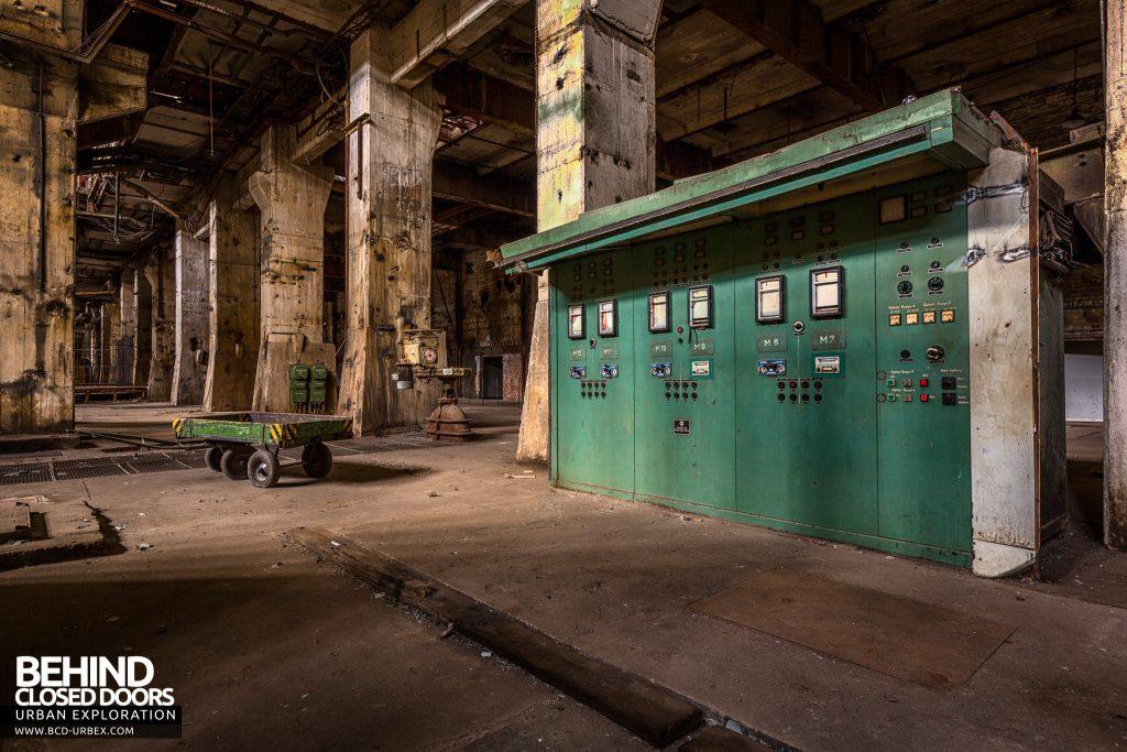Kraftwerk V, Germany - Switch panels
