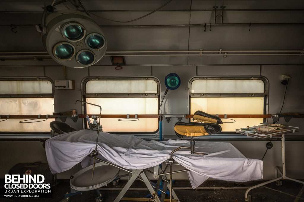 Medical Train, Germany - Examination bed in treatment area
