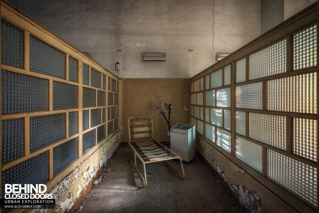 Manicomio di Racconigi - Bed inside a cubicle