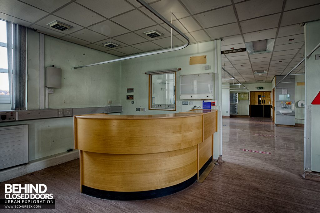Selly Oak Hospital - Curved reception desk
