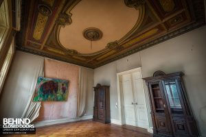 Villa Woodstock - Another ornate room