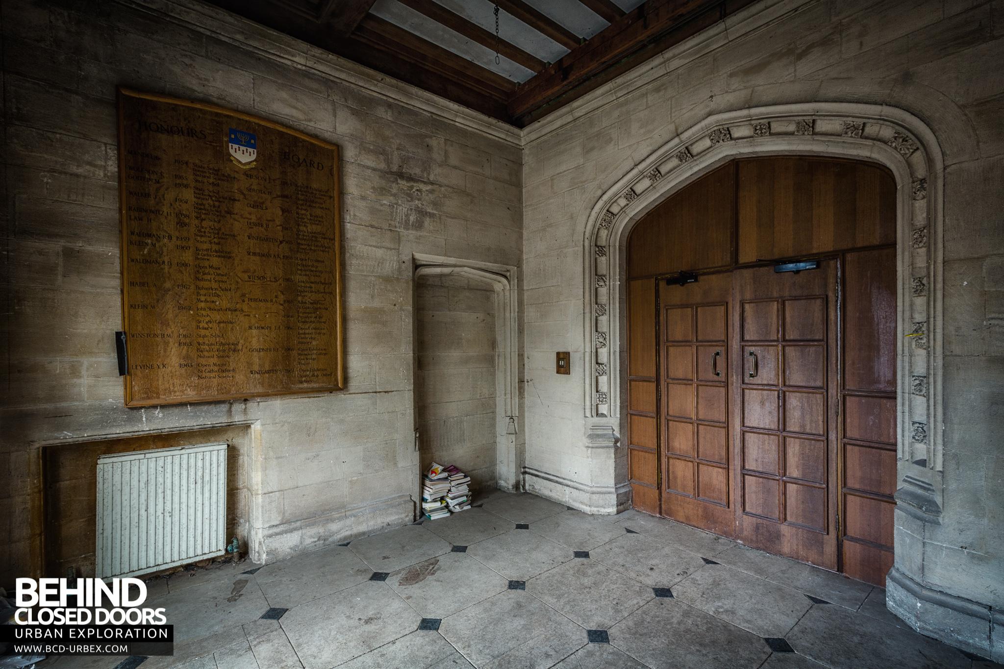 Foyer And Entryways University : Carmel college abandoned jewish boarding school