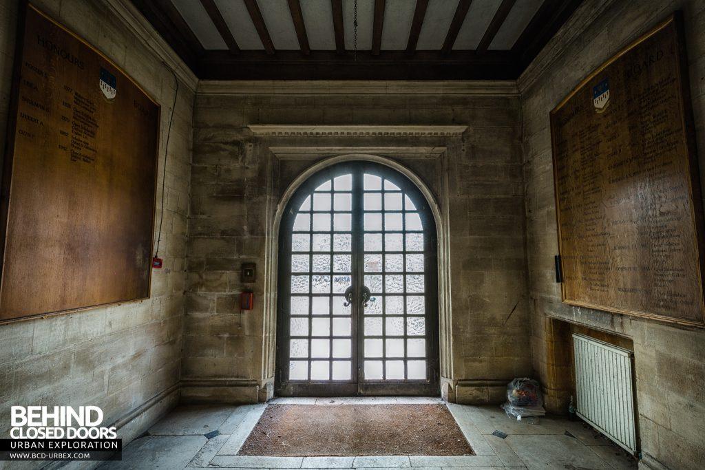 Carmel College - Entrance foyer