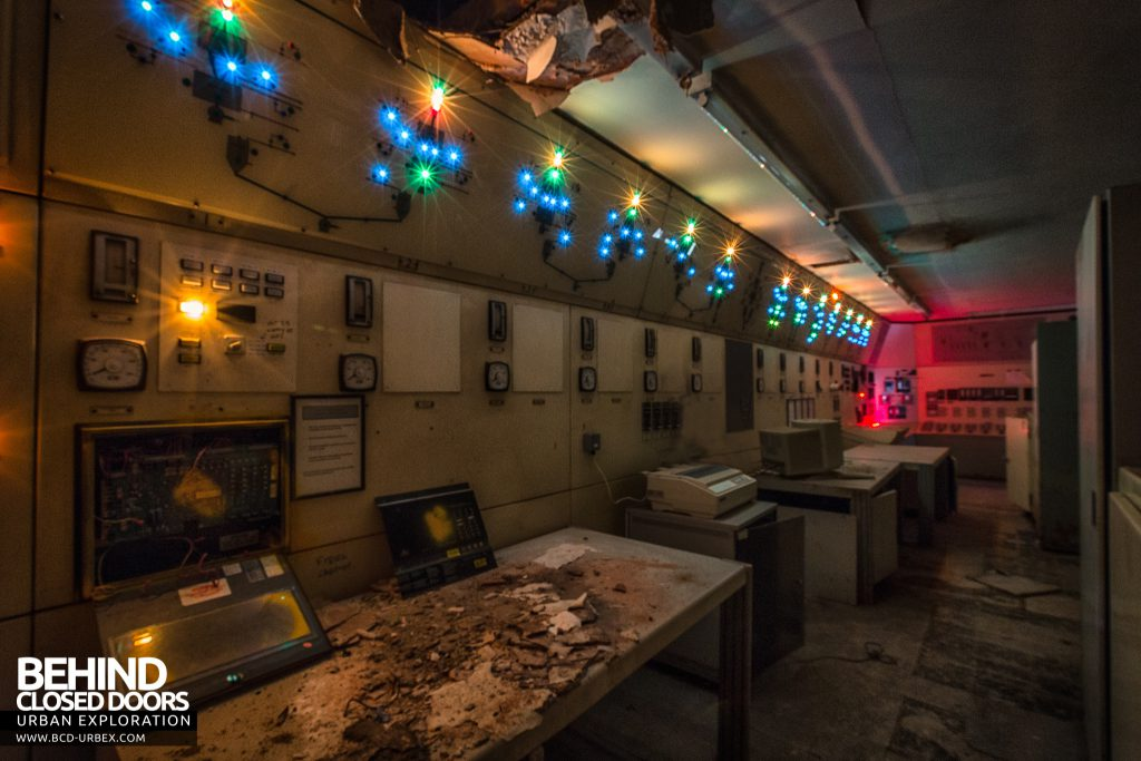 British Celanese, Spondon - Lots of lights in an old decaying control room