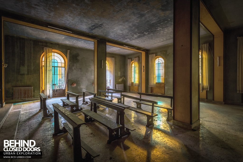 Mono Orphanage, Italy - Nice light in the chapel