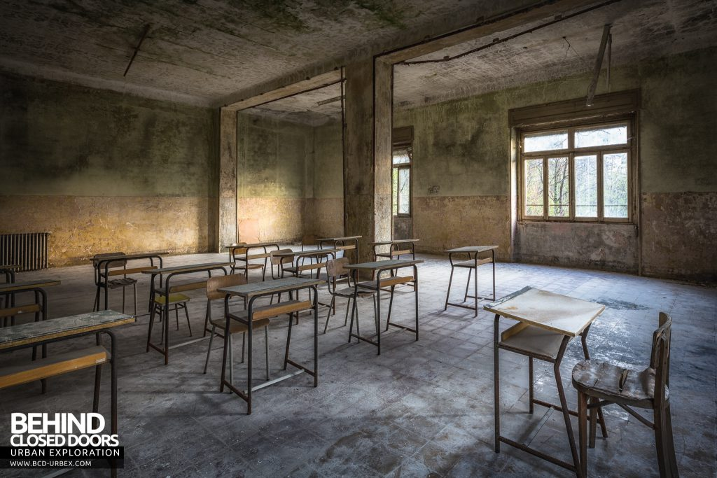 Mono Orphanage, Italy - Classroom with teachers desk