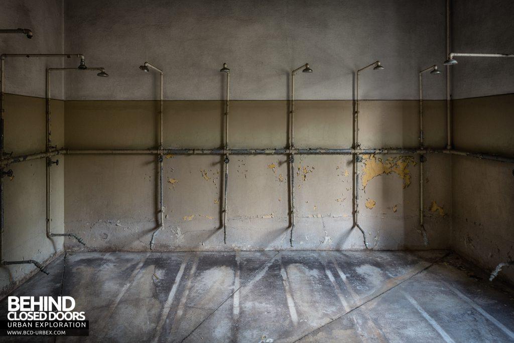 Mono Orphanage, Italy - Shower Room