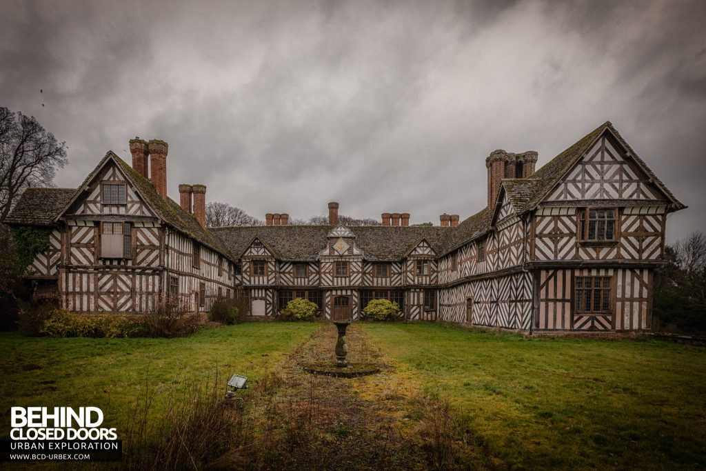 Pitchford Hall - Tudor clad exterior