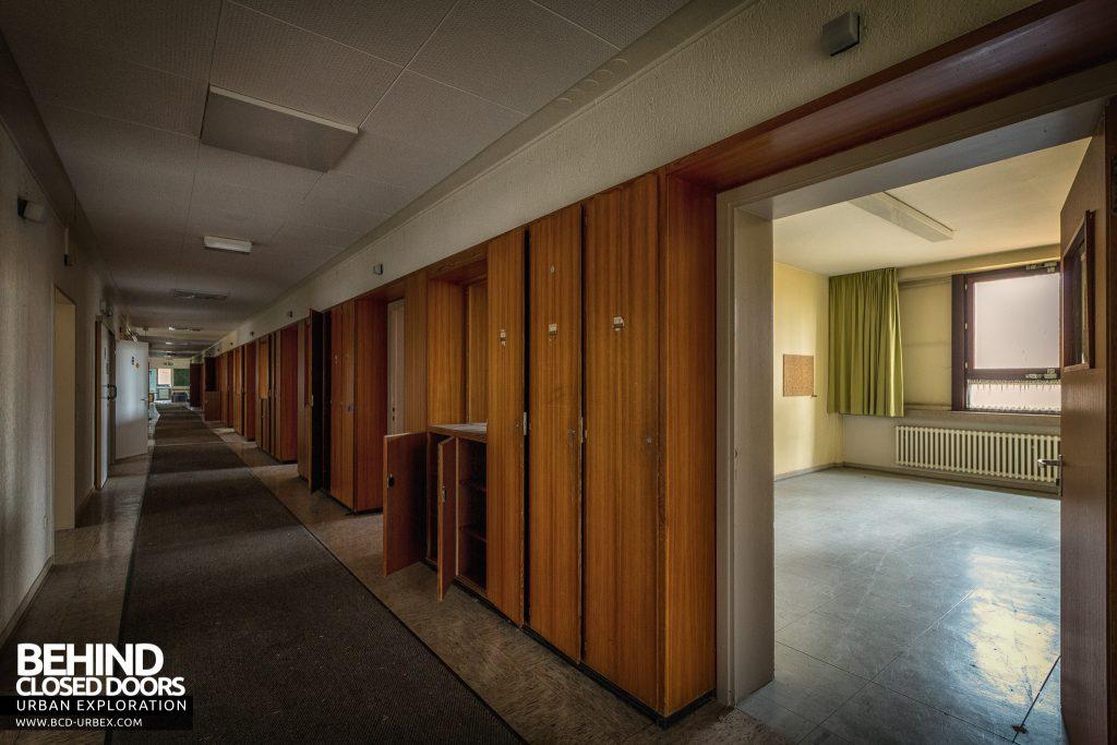 Psychiatrie V Germany - Long corridor